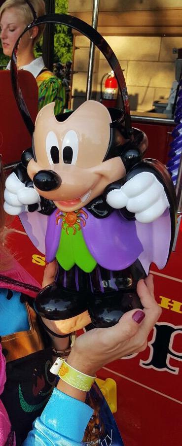 Mickey's popcorn bucket - Silvia Cervi